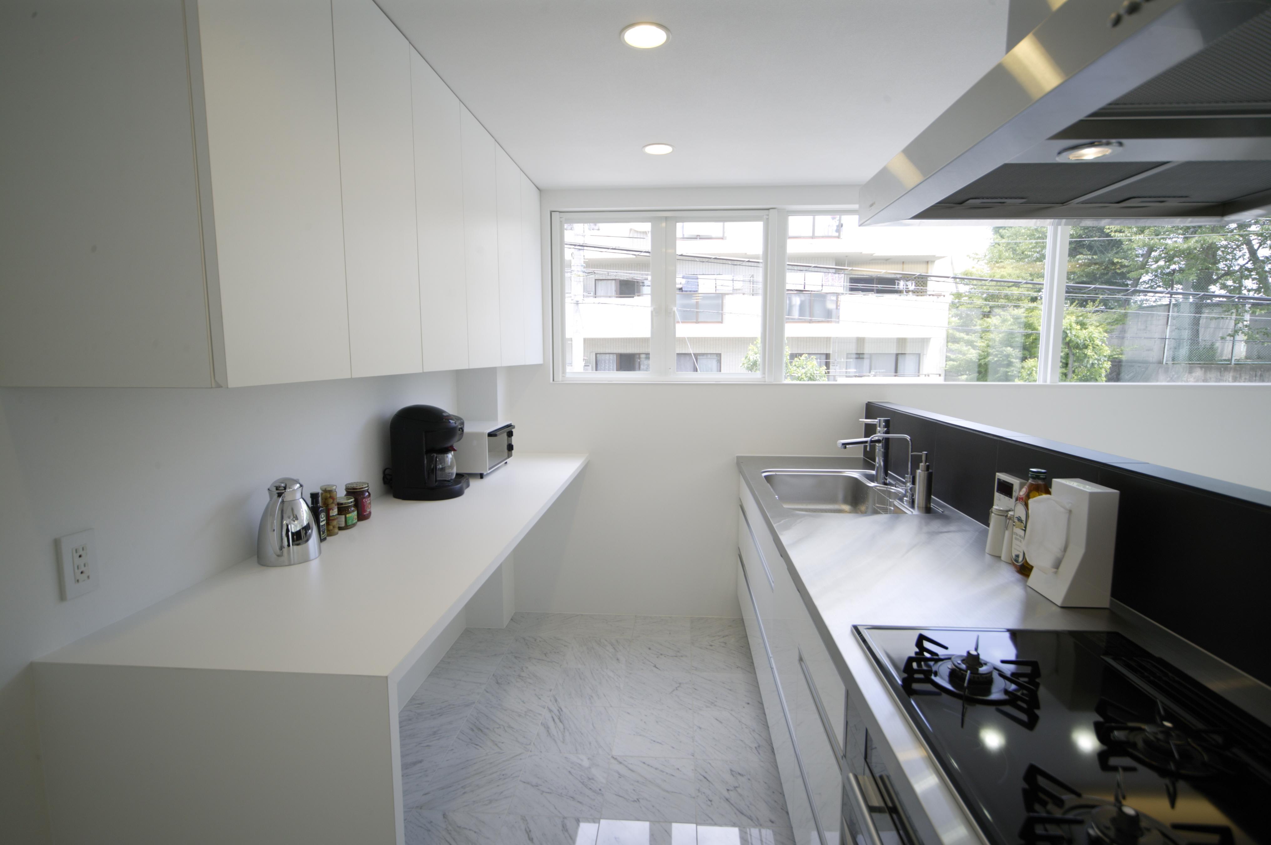 キッチン+対面食器棚