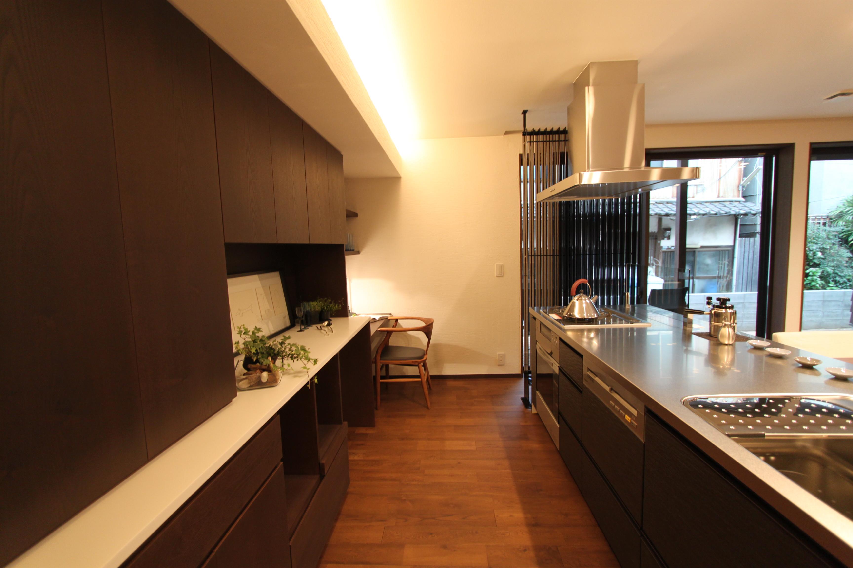 アイランド+ステン天板+食器棚